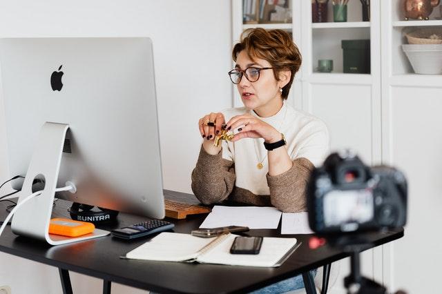 Was ist der Unterschied zwischen einem Webinar und einer Videokonferenz?