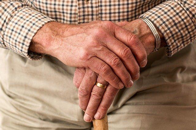 Nützliche Hilfsmittel für den Senioren-Alltag